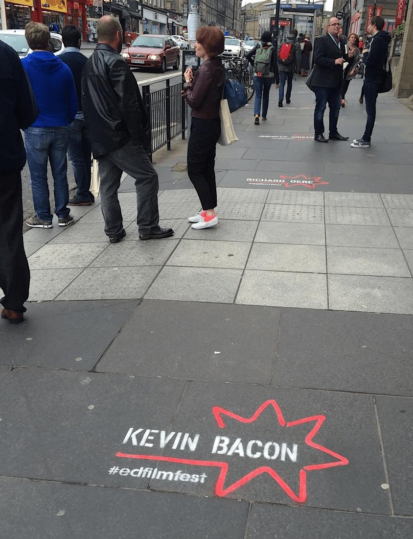 Tattiche di comunicazione non convenzionali - Chalk stencil - Cinema